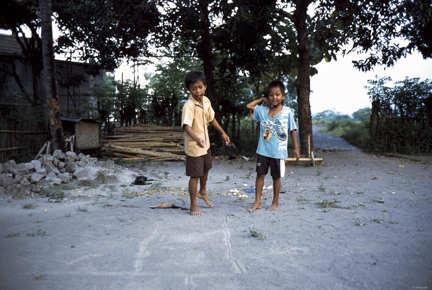 Art 51 Lombok29