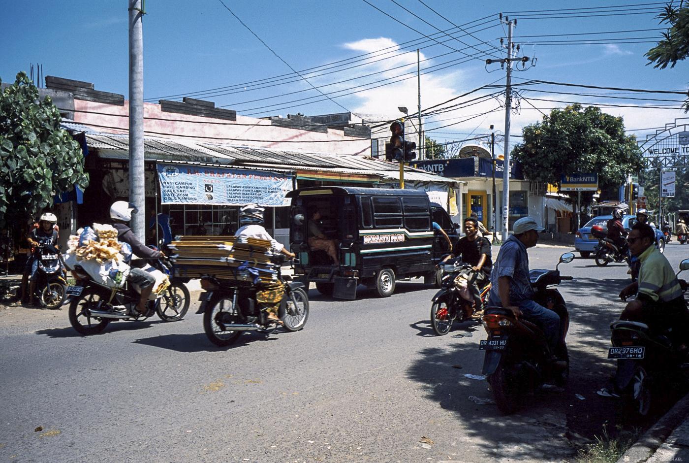 Art 51 Lombok34